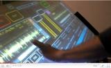 Pantalla multi-táctil futurista para DJs